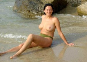 Anne-perrine premium escort in Nauen, BB